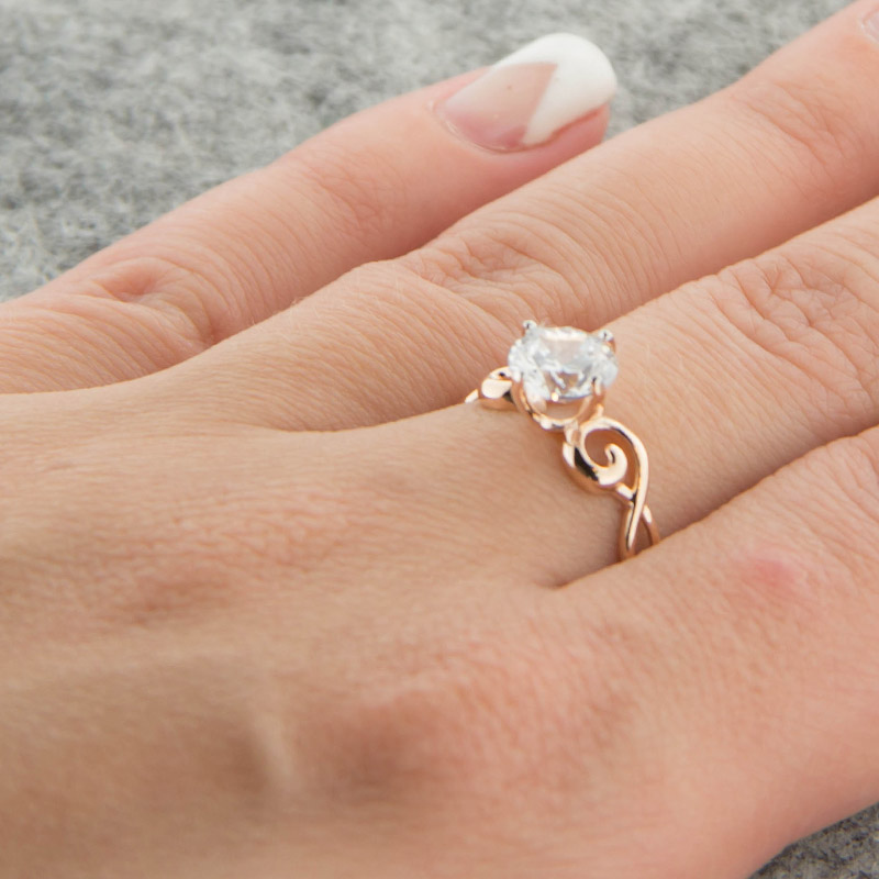 Золотое кольцо с Swarovski 5Э10-02-00004