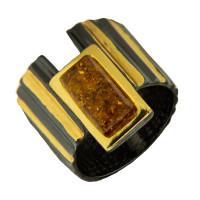 Серебряное кольцо с янтарем ЯН71131053
