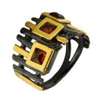 Серебряное кольцо с янтарем ЯН71131047