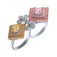 Серебряное кольцо с кубическими цирконами (фианитом)