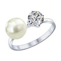 Серебряное кольцо с жемчугом синтетическим и фианитами