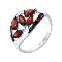 Серебряное кольцо с гранатами и фианитами ДИ92011348