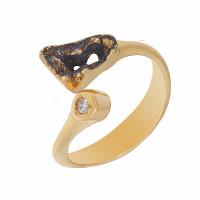Серебряное кольцо с фианитами ИЬ90810434