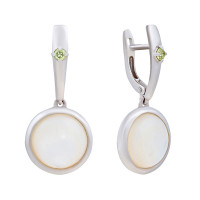 Серебряные серьги подвесные с перламутрами и хризолитами ИЕНМС2-СЛ17пр