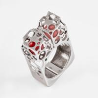 Серебряное кольцо с янтарем 6Д420041429АИ