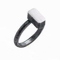 Серебряное кольцо ИЬ923141 без вставок