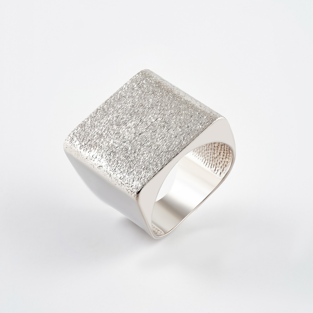 Серебряное кольцо ДП211822С