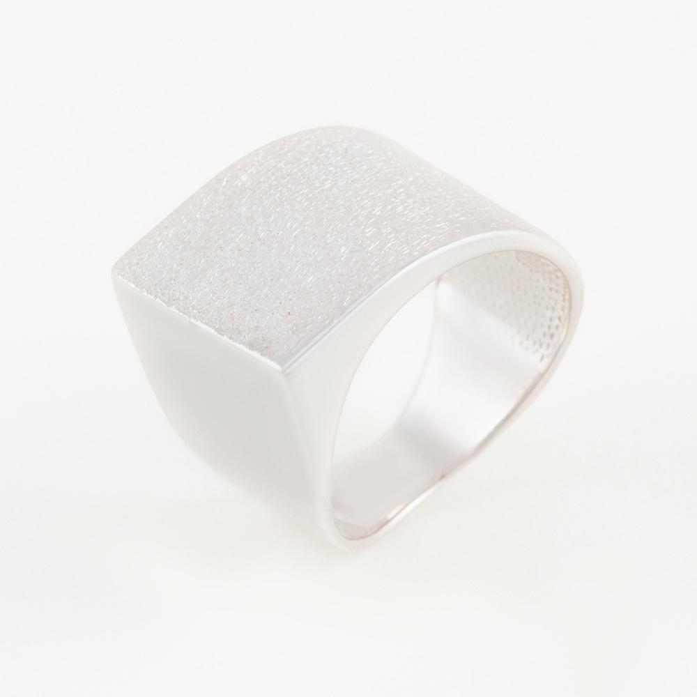 Серебряное кольцо ДП211819С