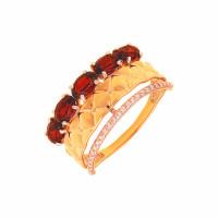 Золотое кольцо с гранатами и фианитами ДП311579