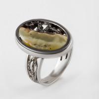 Серебряное кольцо с янтарем 8М1065011001-3