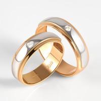 Золотое кольцо обручальное с бриллиантом ЛХ07-00074