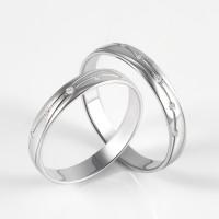 Золотое кольцо обручальное с бриллиантами ЮПК3318013