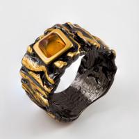 Серебряное кольцо с янтарем ЯН71131067