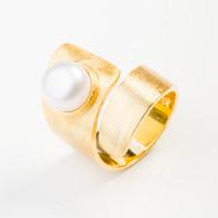 Серебряное кольцо с жемчугом ФССАМ181РУ