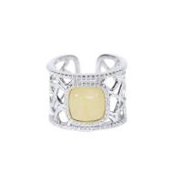 Серебряное кольцо с янтарем и фианитами 4ТИН-1-4С
