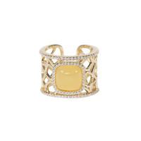 Серебряное кольцо с янтарем и фианитами 4ТИН-1-4Г