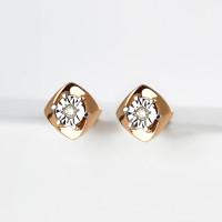 Золотые серьги гвоздики с бриллиантами