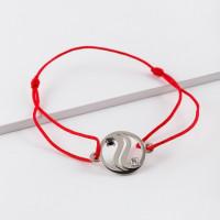 Серебряный браслет красная нить с фианитами ЮП1410065478