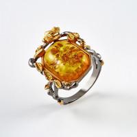 Серебряное кольцо с янтарем ЯН71162020