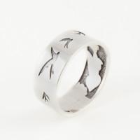Серебряное кольцо ЗК0101597-00245