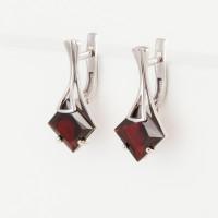 Серебряные серьги с гранатами 3ВС620-174ГР