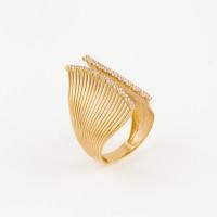 Золотое кольцо с фианитами МЦАСД0016