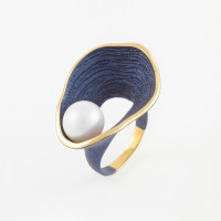 Серебряное кольцо с жемчугом и эмалью