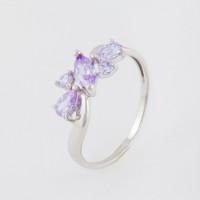 Серебряное кольцо с фианитами КС10-01001Л