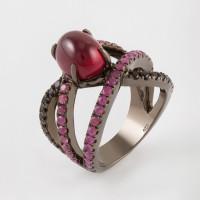 Серебряное кольцо с рубинами и шпинелью