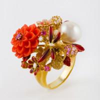 Серебряное кольцо с кораллами, эмалью и жемчугом СЙРГА100-3