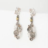 Серебряные серьги гвоздики с фианитами и золотом 750'