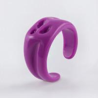 Бижутерное кольцо с пластиком