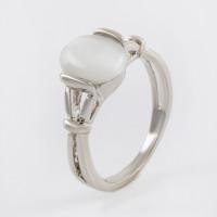 Бижутерное кольцо с ювелирным сплавом и опали синтами