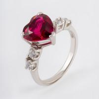 Серебряное кольцо с наноситалами и фианитами