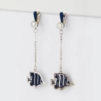 Серебряные серьги подвесные с жемчугом и эмалью