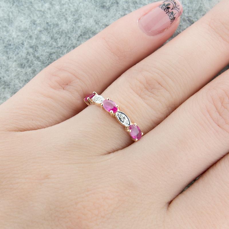 Золотое кольцо с рубинами и бриллиантами ЮЫ2002900023475